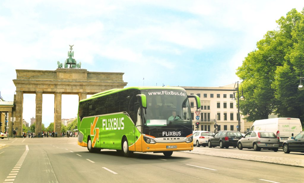 FlixBus: Bis zu 25 Euro bei Buchung über Google Assistant sparen