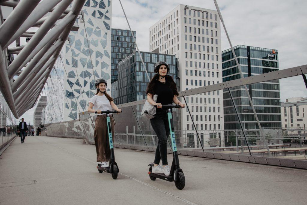 Mönchengladbach: TIER startet als erster E-Scooter-Dienst