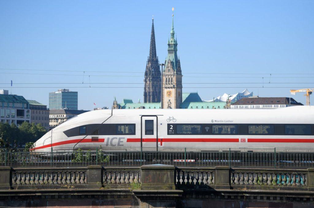Deutsche Bahn startet zusätzliche ICE-Verbindungen in Urlaubsregionen