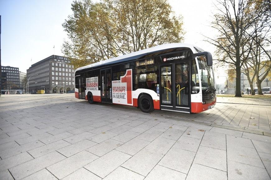 Hamburg: Hochbahn rüstet Busse mit Monitoren aus