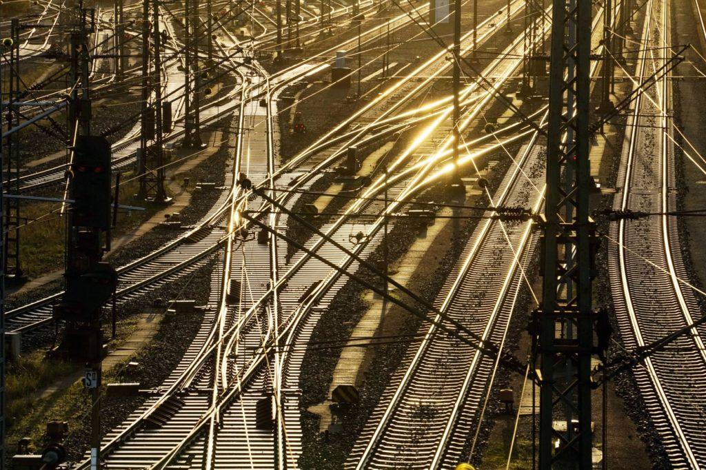 Deutsche Bahn öffnet Glasfasernetz für andere Anbieter
