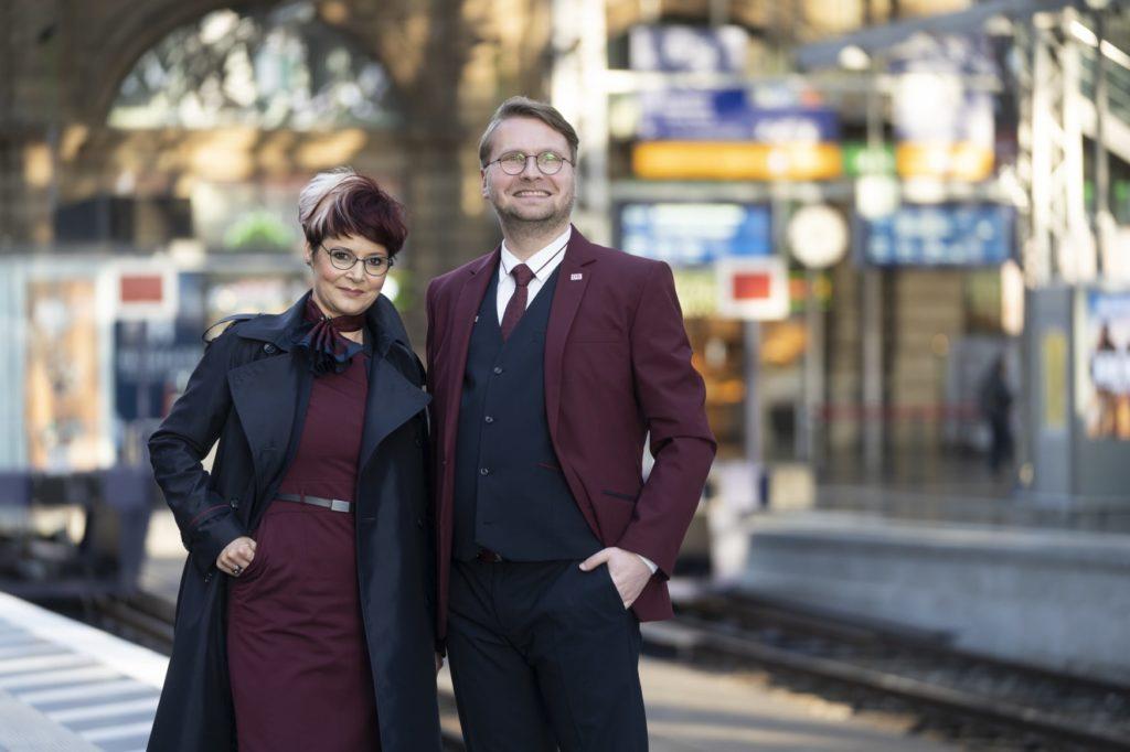 Deutsche Bahn: Mitarbeiter bekommen neue Dienst-Kleidung