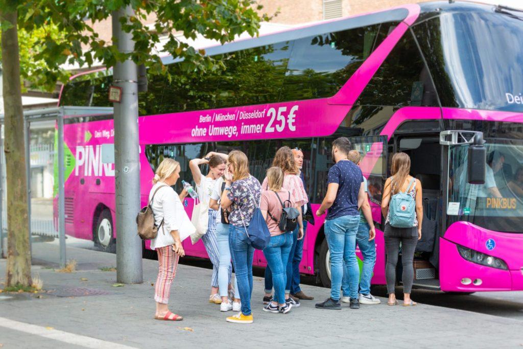 Pinkbus nimmt Betrieb im April offenbar wieder auf
