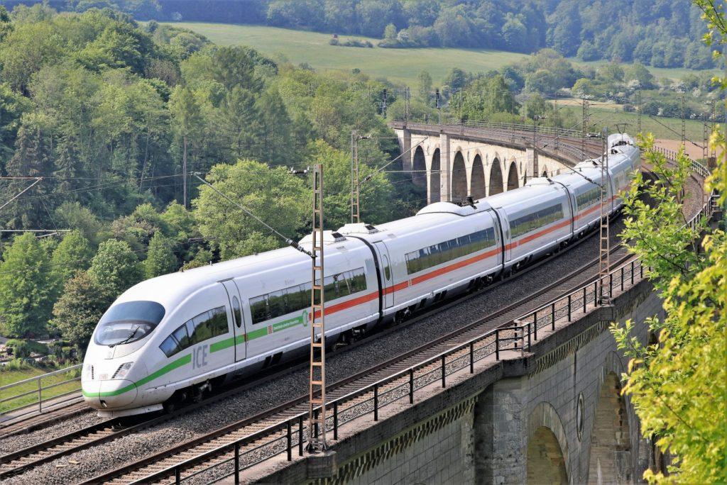 Deutsche Bahn erhöht ab Dezember Preise im Fernverkehr
